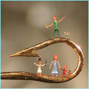 Peter-Pan-micro-sculpture-by-Willard-Wigan